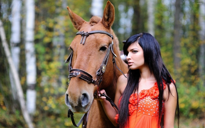 Girls and horse_8