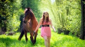 Girls and horse_13