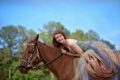 Girls and horse_18