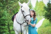 Girls and horse_19