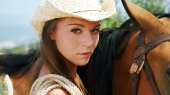 Girls and horse_20