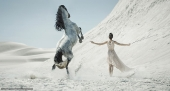 Girls and horse_39
