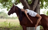 Girls and horse_46