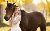 Girls and horse_4